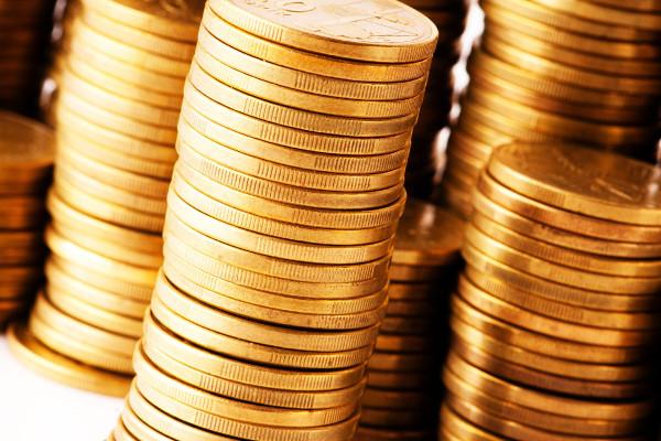 UK and Romania top international Christmas spending
