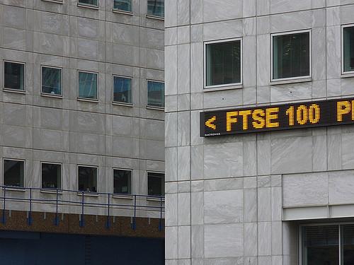 FTSE 100 extends winning streak to 11 days