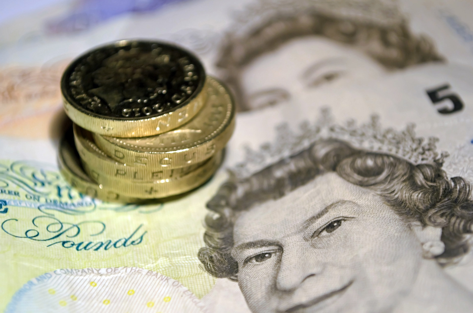 UK Inflation Hits 30-month High