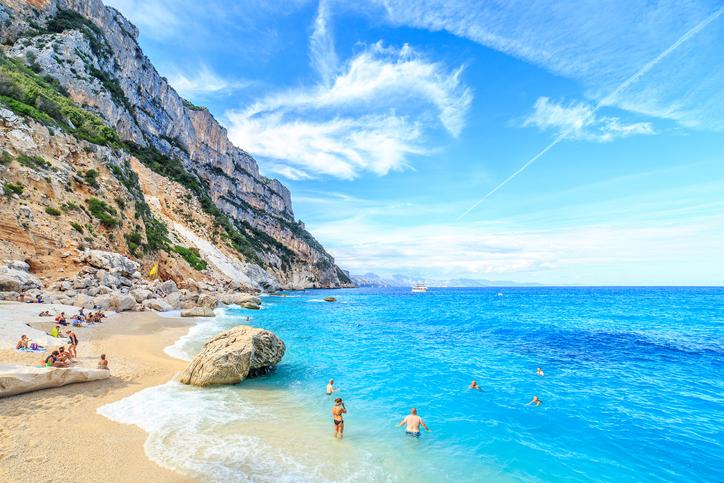 [Image: Sardinia2online.jpg]